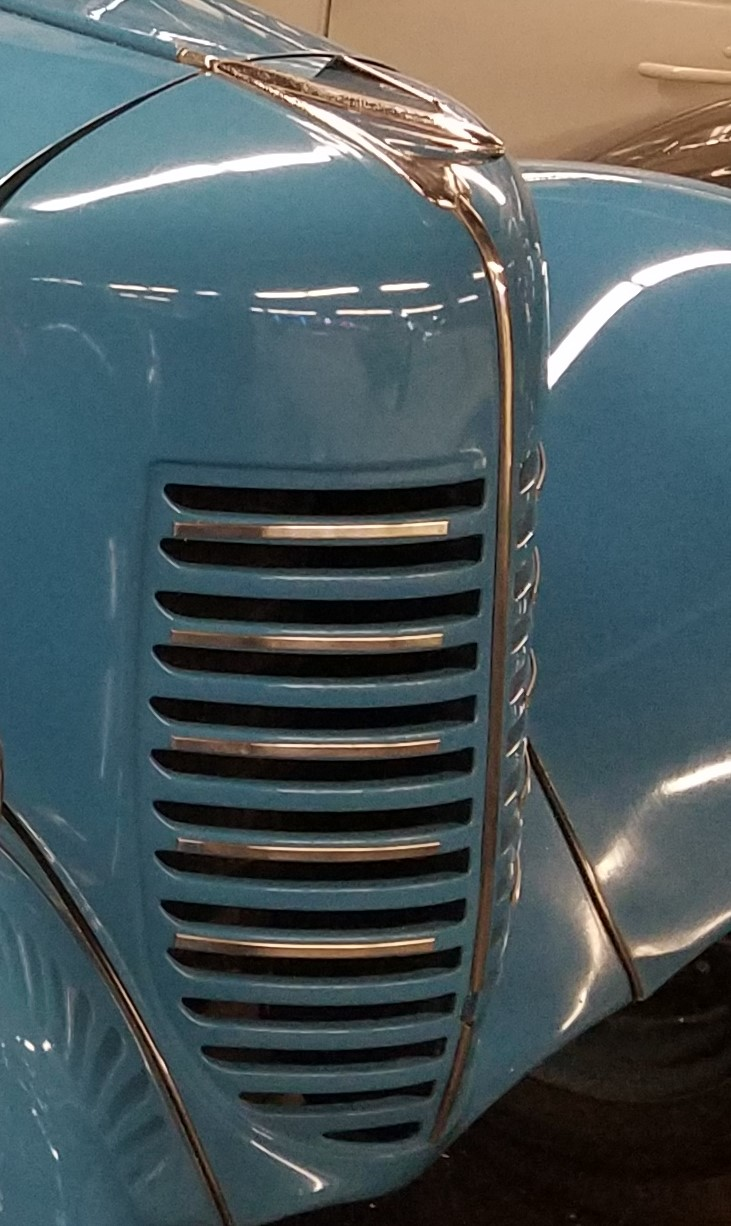 grille with trim deluxe