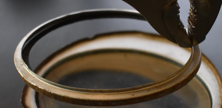 Bantam gauge glass retainer 2