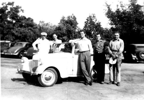 The Hollywood prototype posing with its builders in California before venturing to PA.