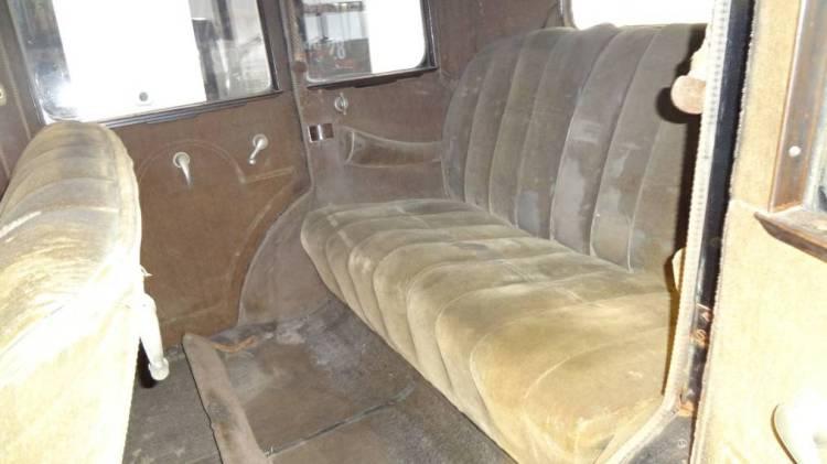 1930 Peerless Interior