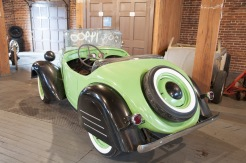 1938 American Bantam Roadster - skirted fenders on rear 3/4 view